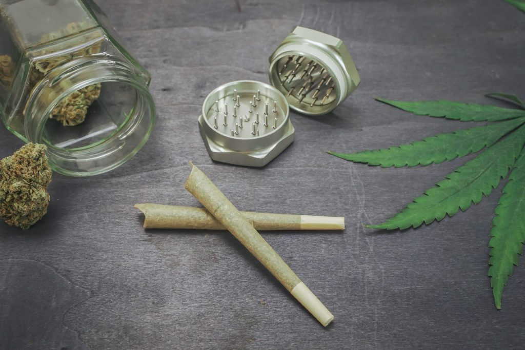 Different Ways To Roll Your Cannabis
